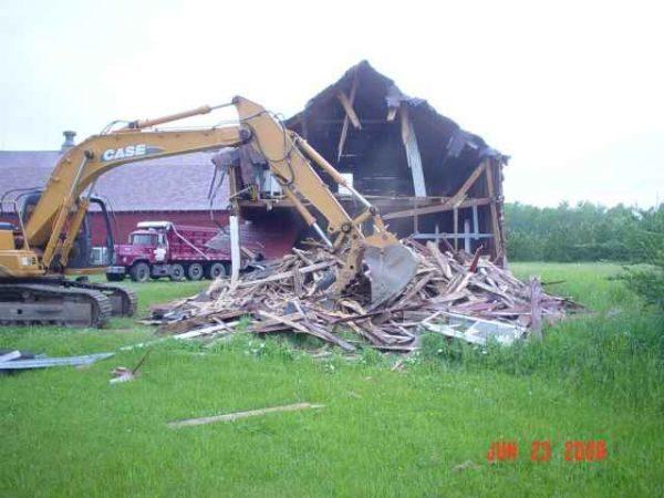 altman-excavating.jpg